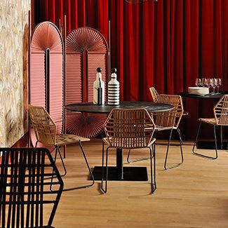 Claude Cartier décoration et architecte d'intérieur à Lyon. Chaise Tropicalia Moroso