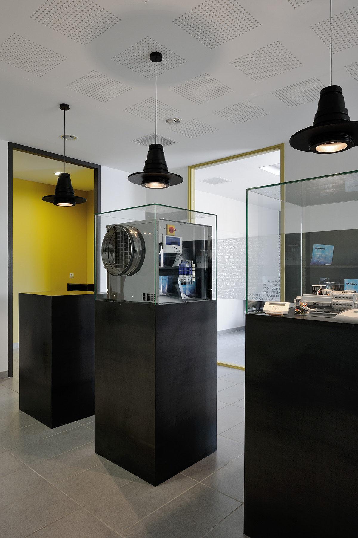 Réalisation commercial. Claude Cartier décoration architecte d'intérieur à Lyon.