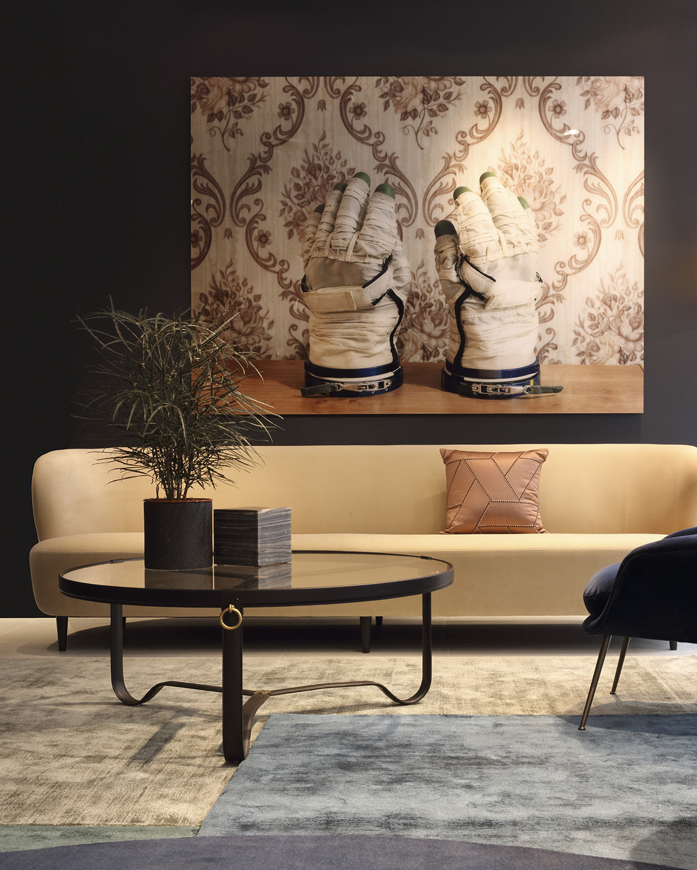 inside num ro 8 claude cartier d coration. Black Bedroom Furniture Sets. Home Design Ideas